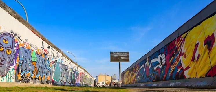 Tunnelblick: Die Eastside Gallery als Überbleibsel des Kalten Krieges (Foto: dronepicr / flickr.com / Lizenz: CC BY 2.0)