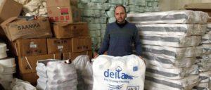 Endlich wieder syrische Baumwolle aus Rakka verarbeiten – Textilarbeiter in Aleppo.                          (Foto: Karin Leukefeld)