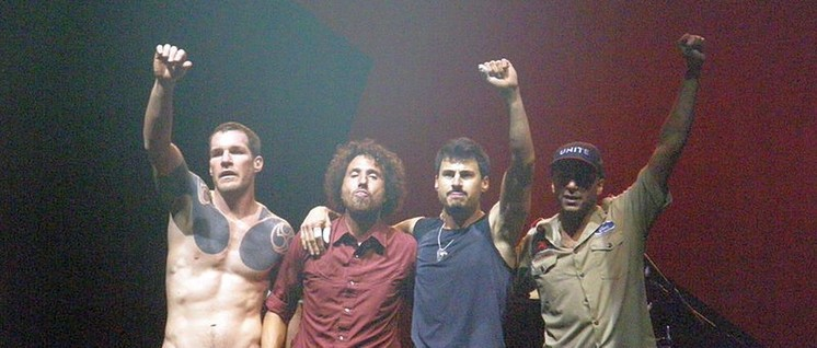 """Rage Against The Machine"" wollen mit ihrem Comeback 2020 in den US-Präsidentschaftswahlkampf eingreifen. (Foto: Penner / Wikimedia Commons / Lizenz: CC BY-SA 3.0)"