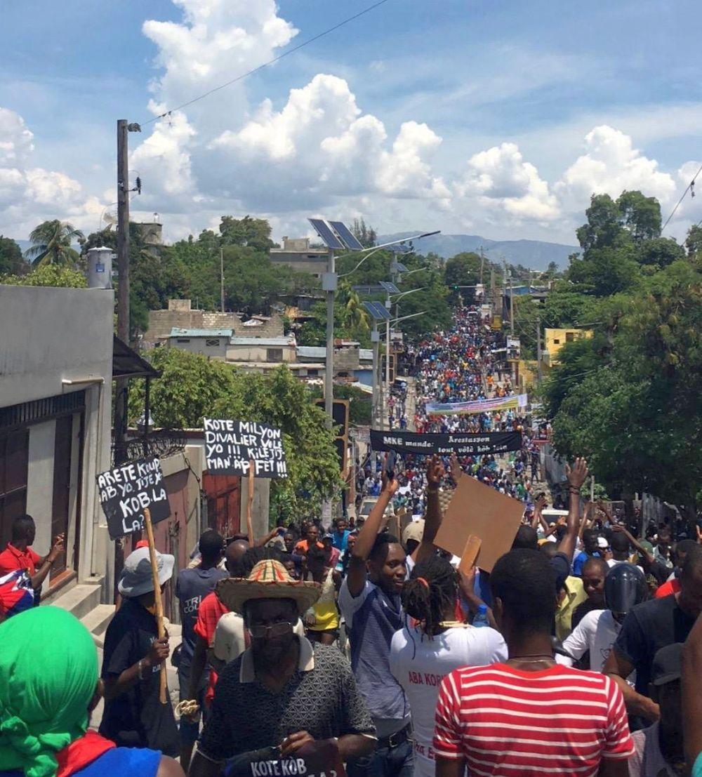 Demonstration zur Forderung nach Rechenschaftspflicht für die Verwaltung des PetroCaribe-Fonds