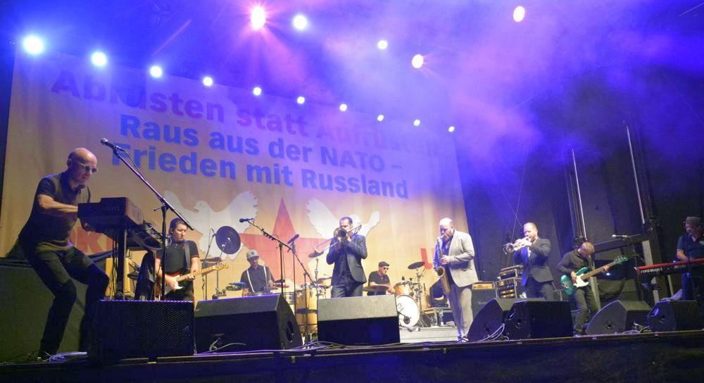 Mit Ska gegen Krieg – The Busters auf dem Pressefest 2018 (Foto: Tom Brenner)