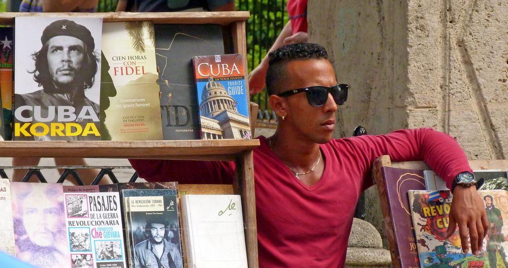 Buchverkäufer in Havanna