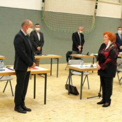 Kommunistin vereidigt Oberbürgermeister
